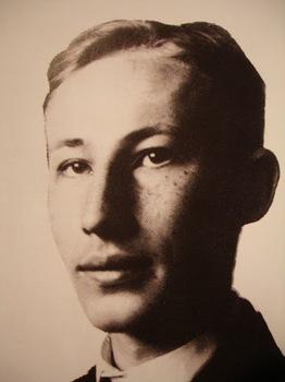 Reinhard Heydrich teenager.jpg