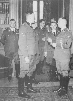 Reinhard Heydrich_Bruno Streckenbach.jpg