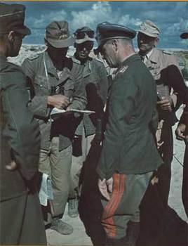 Rommel bei seinen DAK Offizieren.jpg