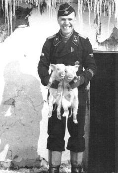SS-Totenkopf-Pig.jpg