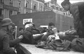 St. Nazaire, britische Kriegsgefangene.jpg