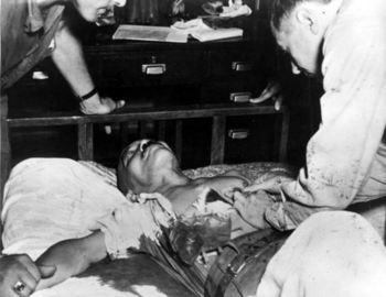 Tōjō had shot himself in the chest with a pistol.jpg