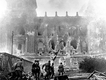 The Reichstag burns.jpg