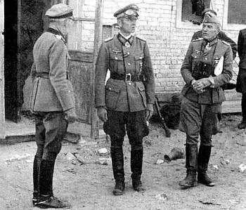 Top German officers at Stalingrad, General Paulus, the Freiherr von Weichs Generaloberst and General der Artillerie von Seydlitz.jpg