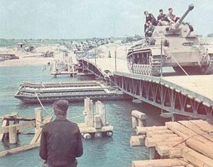 WW2-Chronology Pontonbrücke .jpg