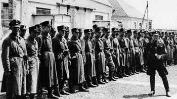 Wachablösung bei der SS_Dachau.jpg