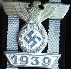 Wiederholungsspange 1939 zum Eisernen Kreuz 2. Klasse 1914.jpg