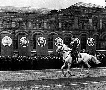 Zhukov gallops onto Red Square 1945.jpg