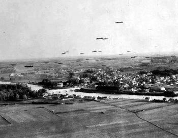 avro-lancaster-bomber.JPG