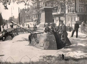 berlin_germany_boys_on_tiger_tank.jpg