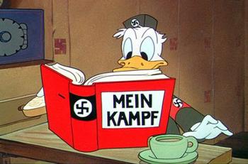 book-disney-donald-fake-hitler-mein-kampf-Favim.jpg