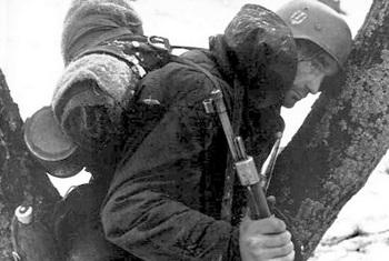 dejected-german-soldier-konigsberg-1945.jpg