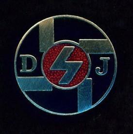 deutsche-jungvolk enameled membership lapel badge.jpg