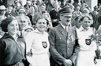 hitler 1936 Berlin Olympics.jpg