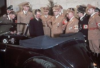 hitler_Ferdinand Porsche.jpg