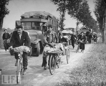 paris refugee 1940.jpg