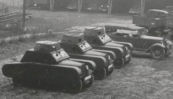 s podobnými maketami tanků cvičili Guderianovi vojáci.jpg