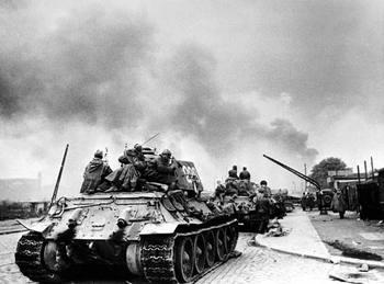 soviet_tanks_berlin1945.jpg